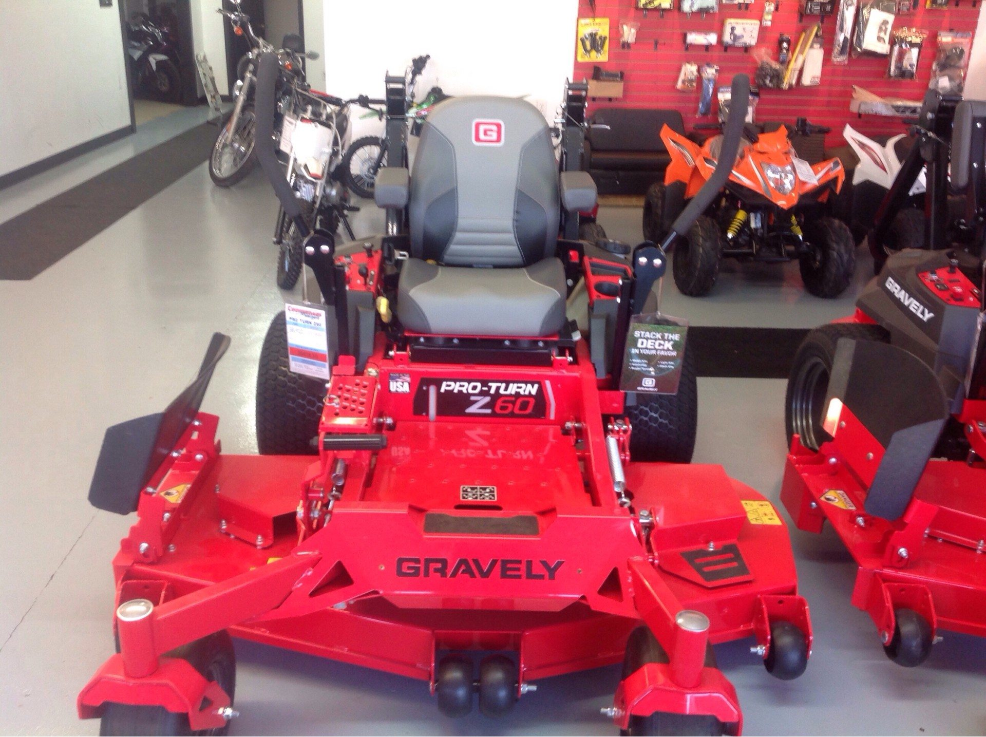 2019 Gravely USA Pro-Turn Z 60 in. Gravely 26.5 hp in Lafayette, Indiana - Photo 2