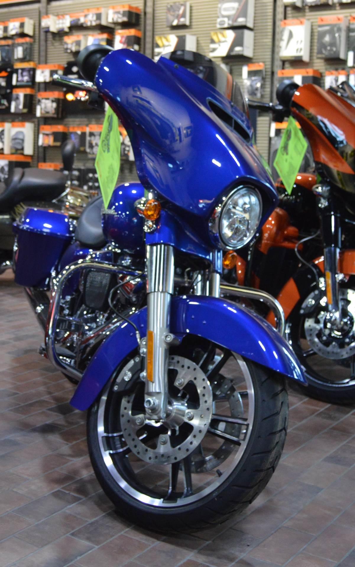 2017 Harley-Davidson Street Glide® Special in Traverse City, Michigan