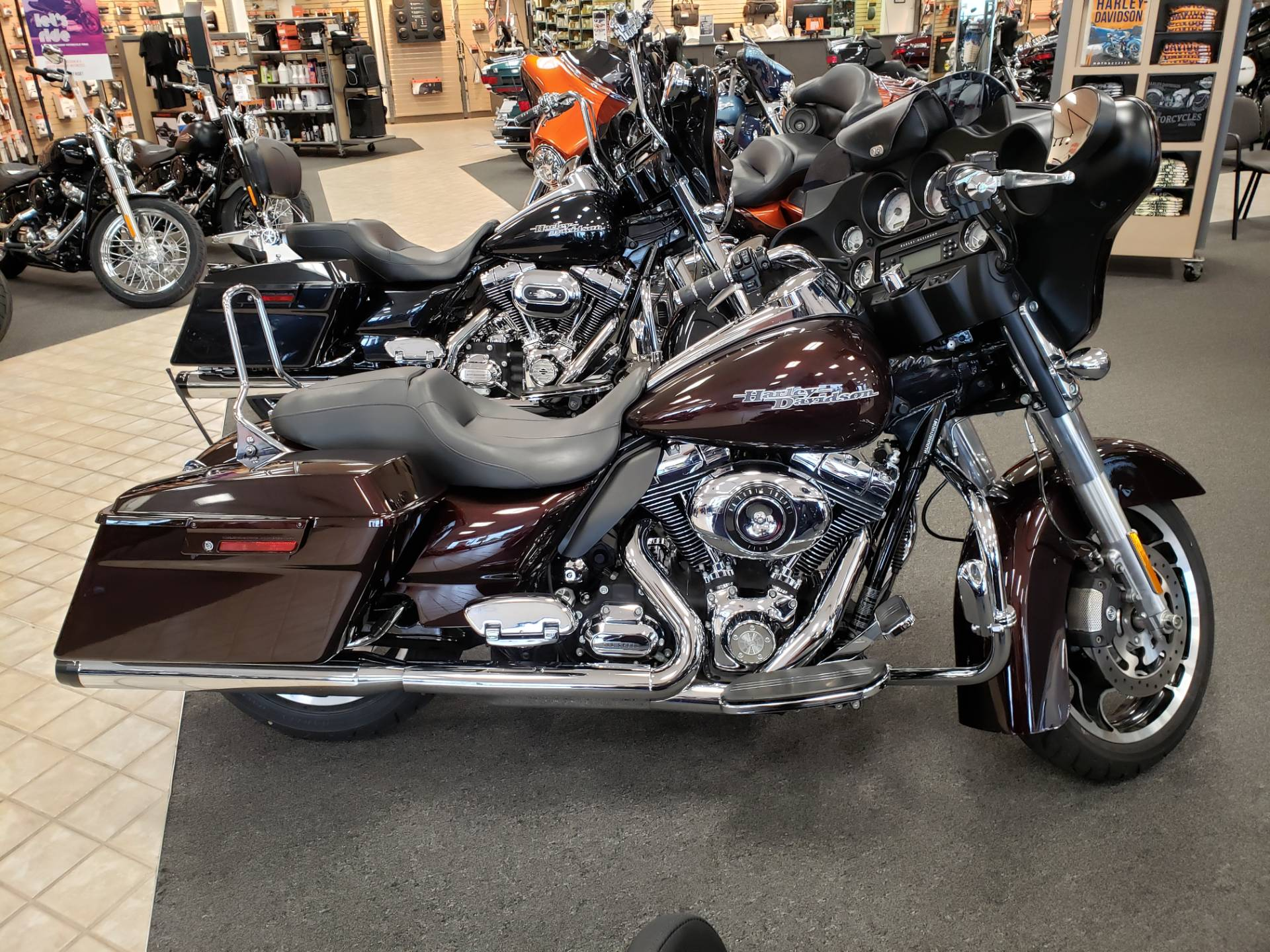 2011 Harley-Davidson Street Glide® in North Canton, Ohio - Photo 1