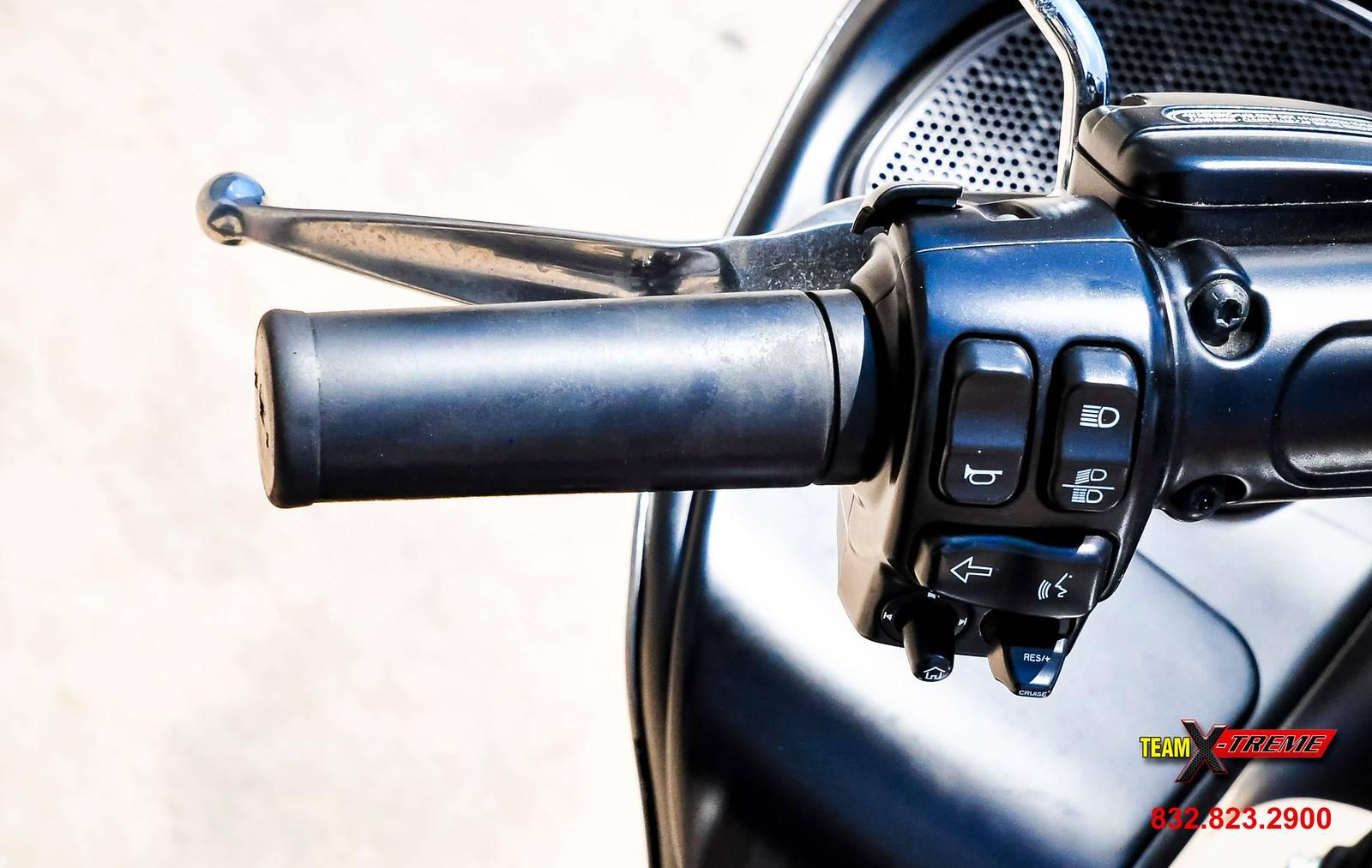 2016 Harley-Davidson Road Glide Ultra 12