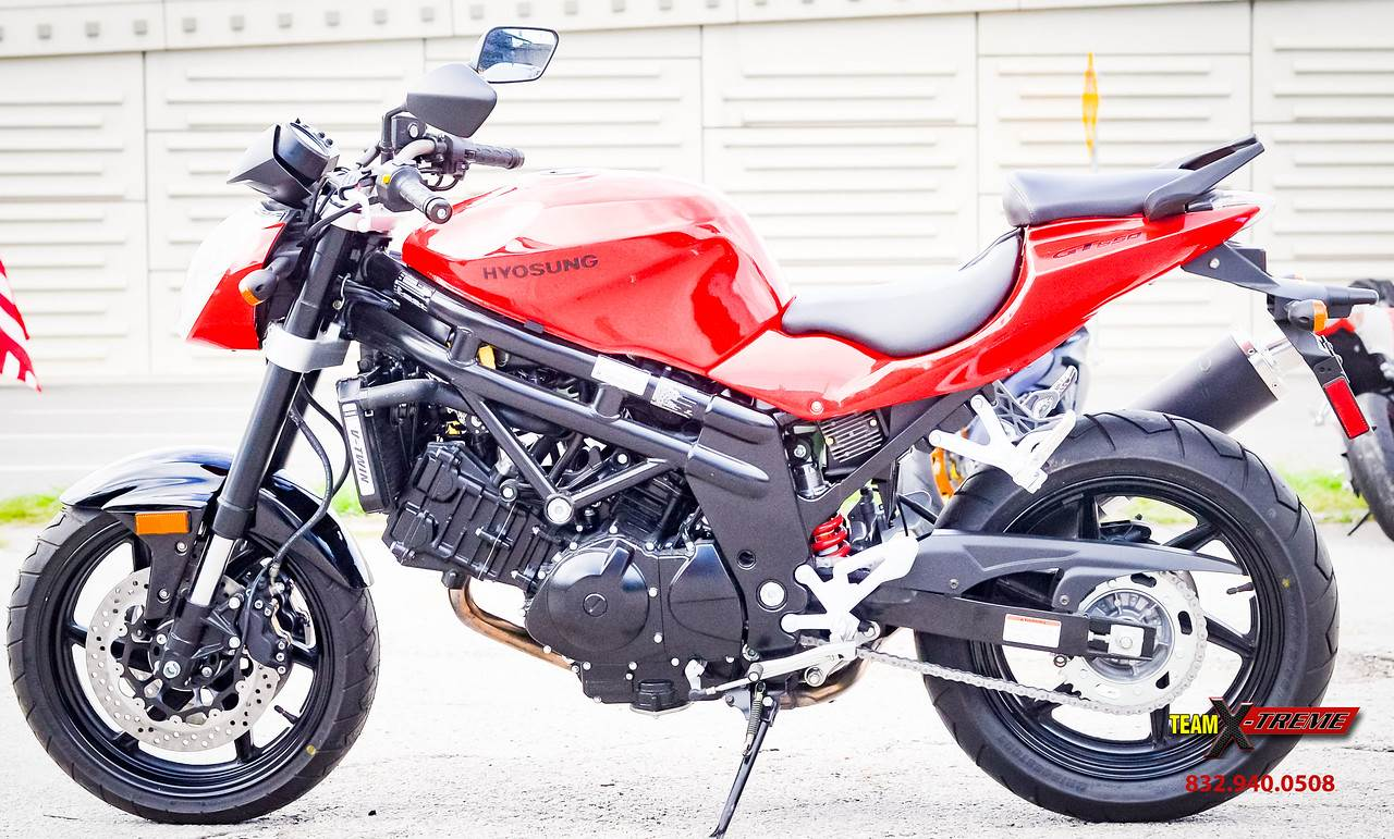 2015 Hyosung GT650 in Houston, Texas - Photo 8
