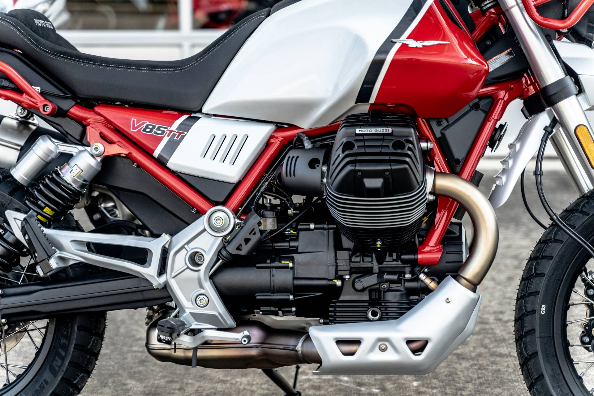 2020 Moto Guzzi V85 TT Adventure in Houston, Texas - Photo 7