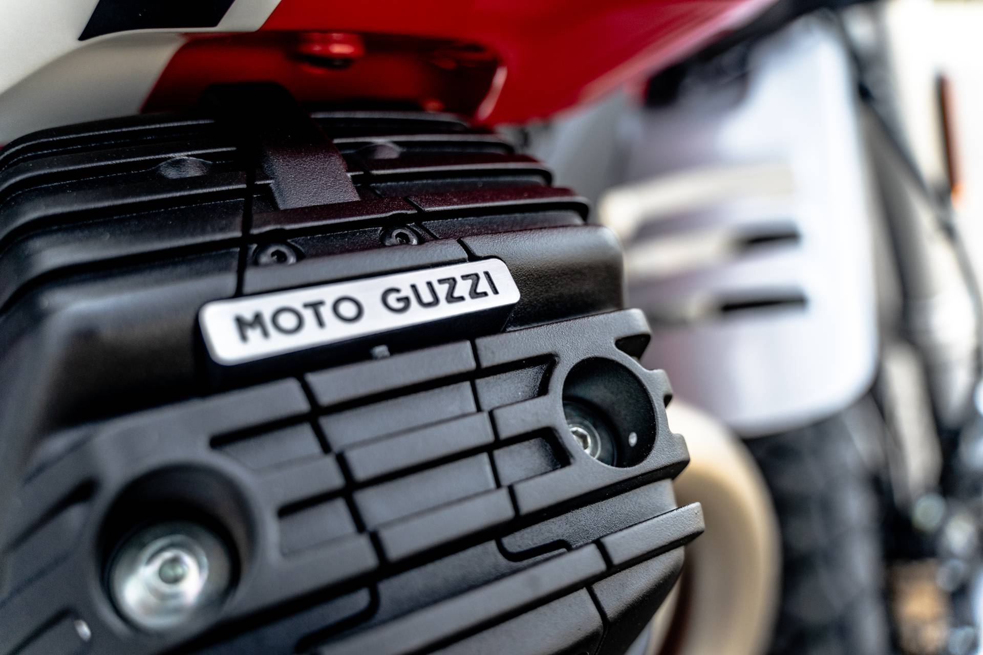 2020 Moto Guzzi V85 TT Adventure in Houston, Texas - Photo 30