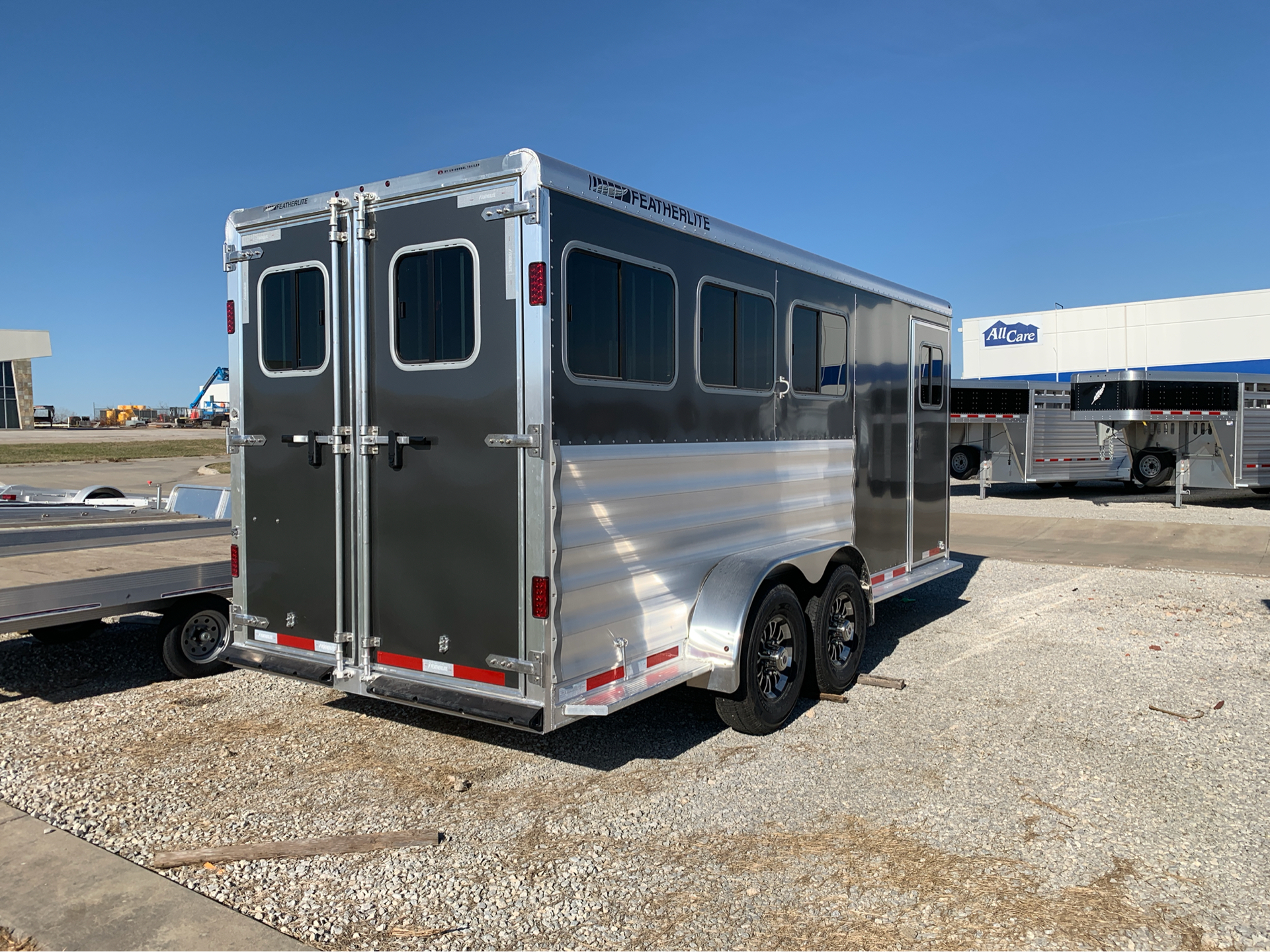 2019 Featherlite Trailers 9409-673H in Roca, Nebraska - Photo 5