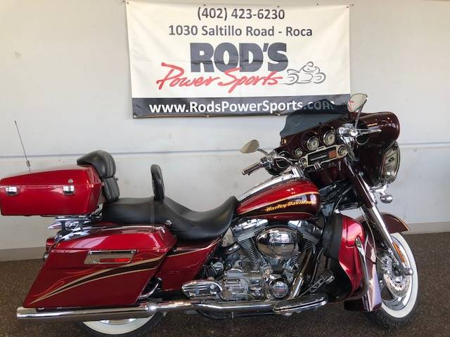2005 Harley-Davidson FLHTCSE2 Screamin' Eagle® Electra Glide®  2 in Roca, Nebraska
