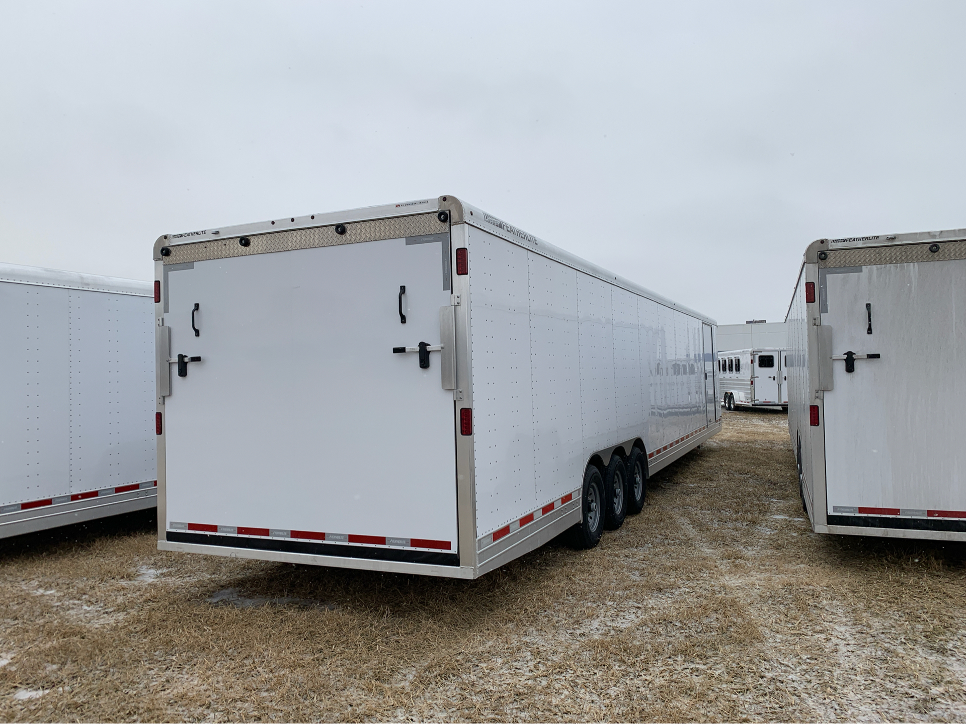 2019 Featherlite Trailers 4941-0040 in Roca, Nebraska - Photo 4