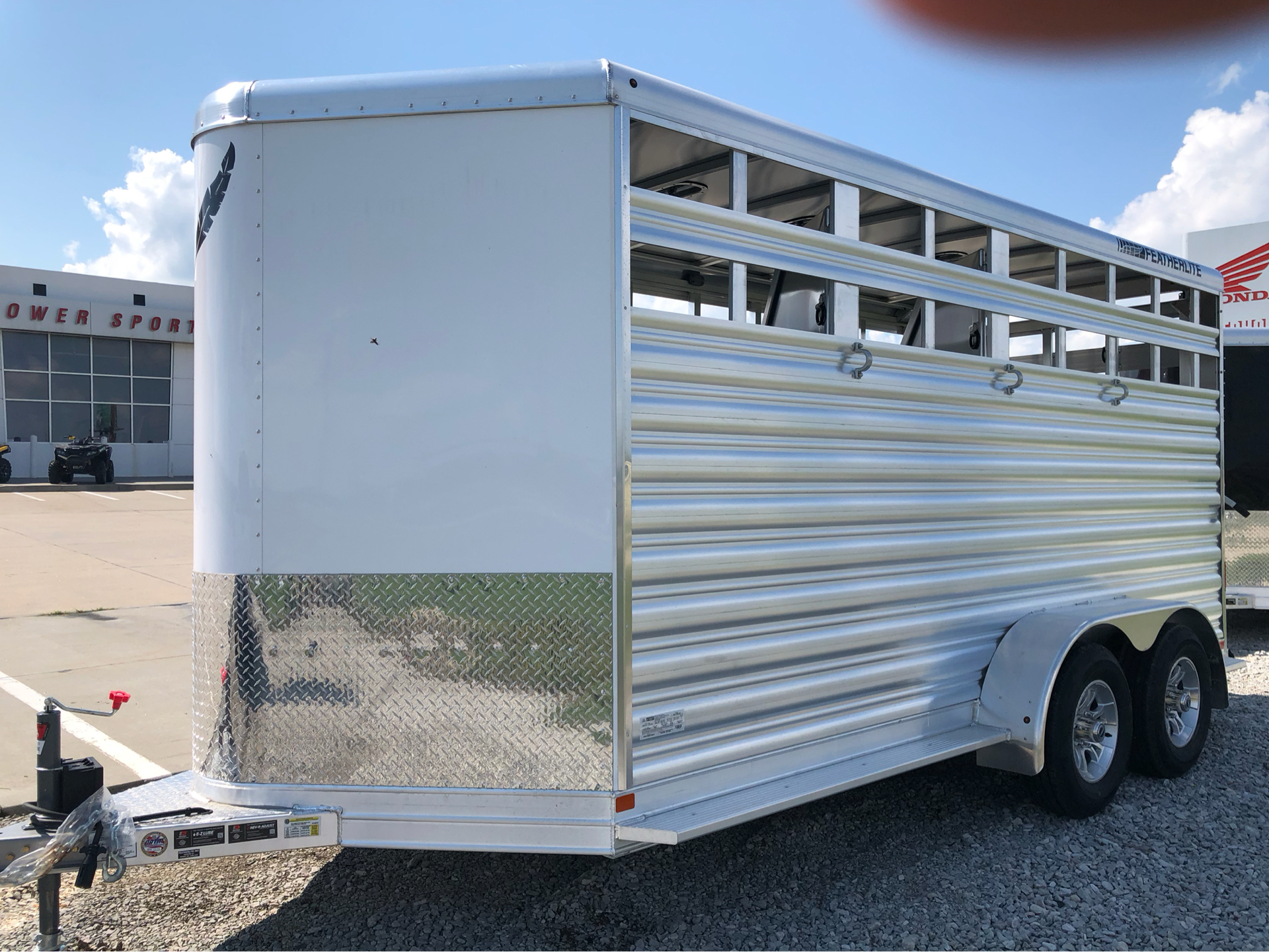 2019 Featherlite Trailers 9651-314b in Roca, Nebraska - Photo 2