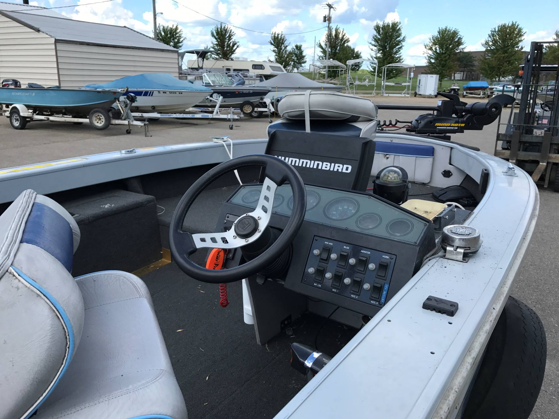 1993 Crestliner Phantom  in Albert Lea, Minnesota