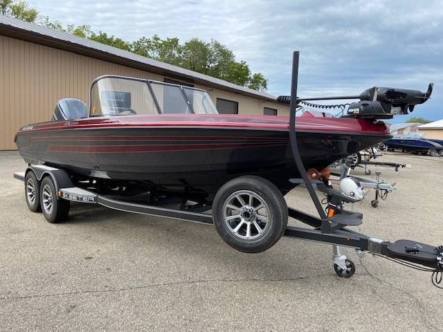 2021 Skeeter WX2200 in Albert Lea, Minnesota - Photo 2