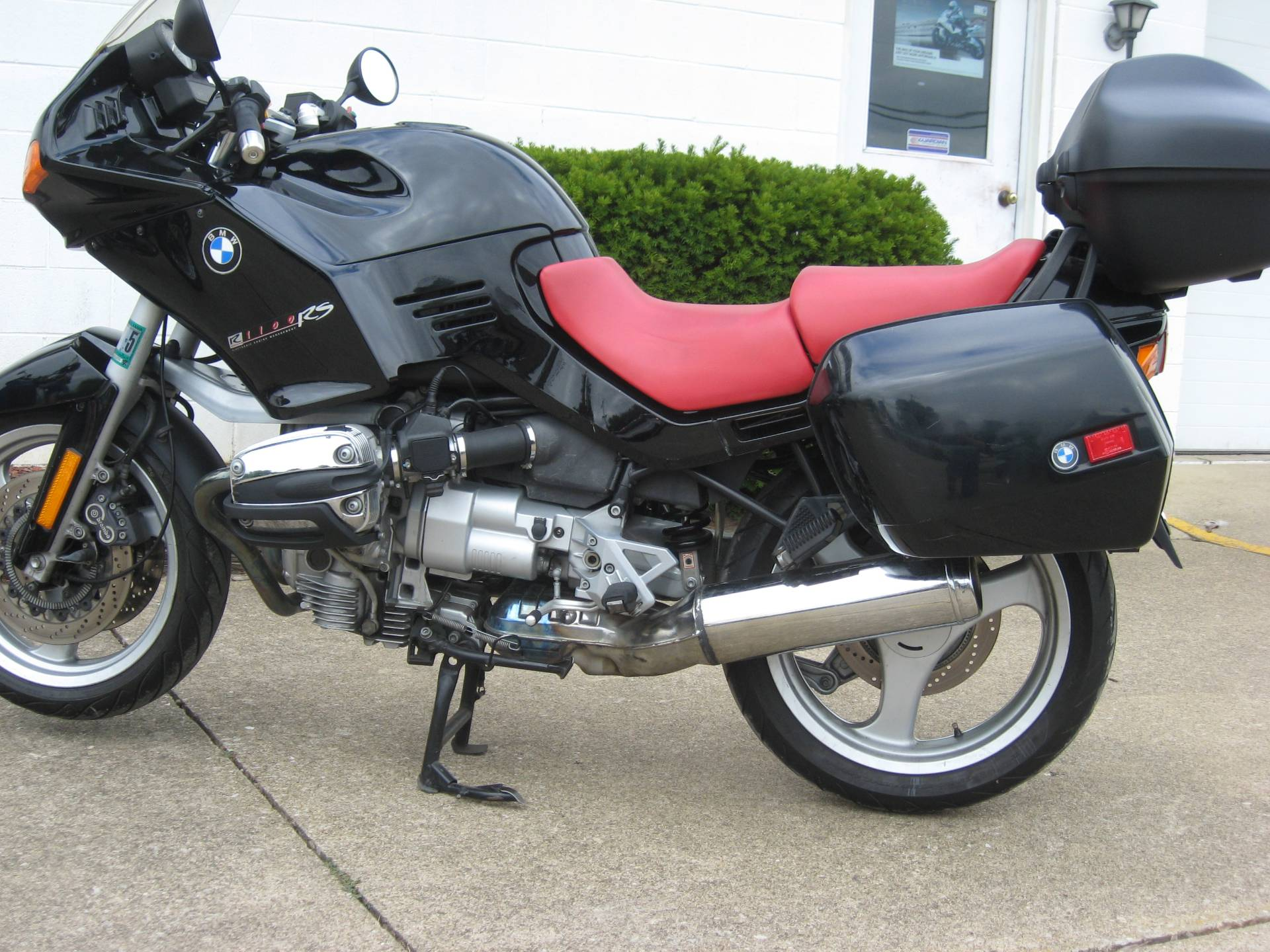 2001 BMW R1100RS in New Philadelphia, Ohio - Photo 2