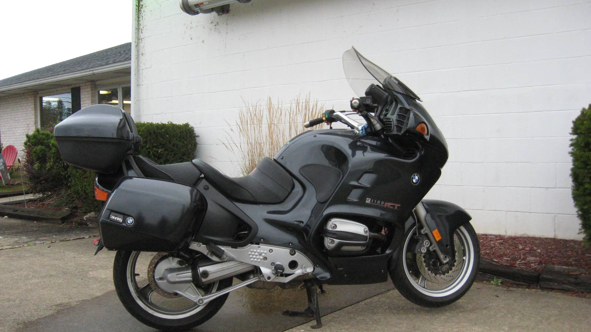 2000 BMW R1100RT in New Philadelphia, Ohio - Photo 2