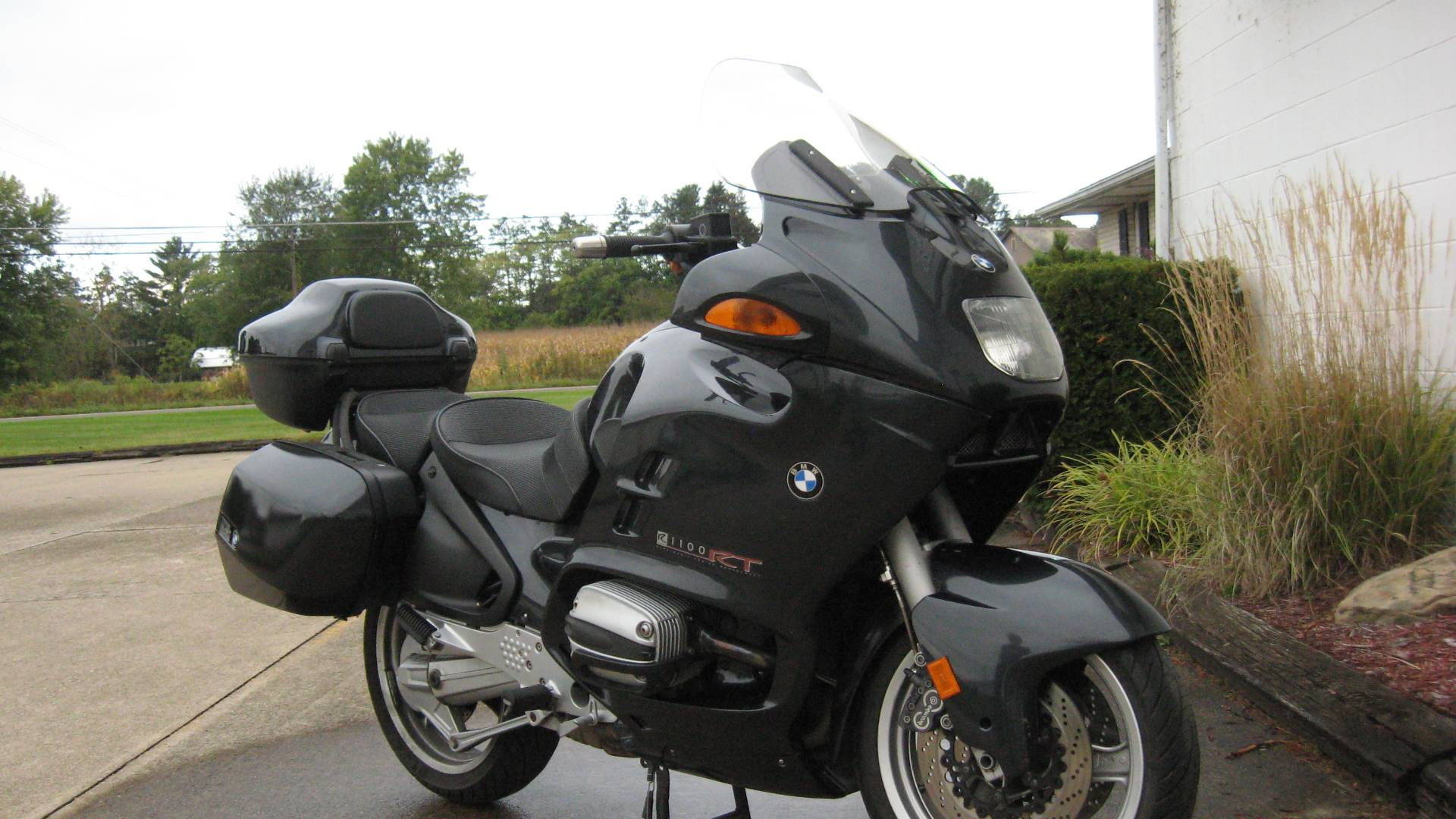 2000 BMW R1100RT in New Philadelphia, Ohio - Photo 3