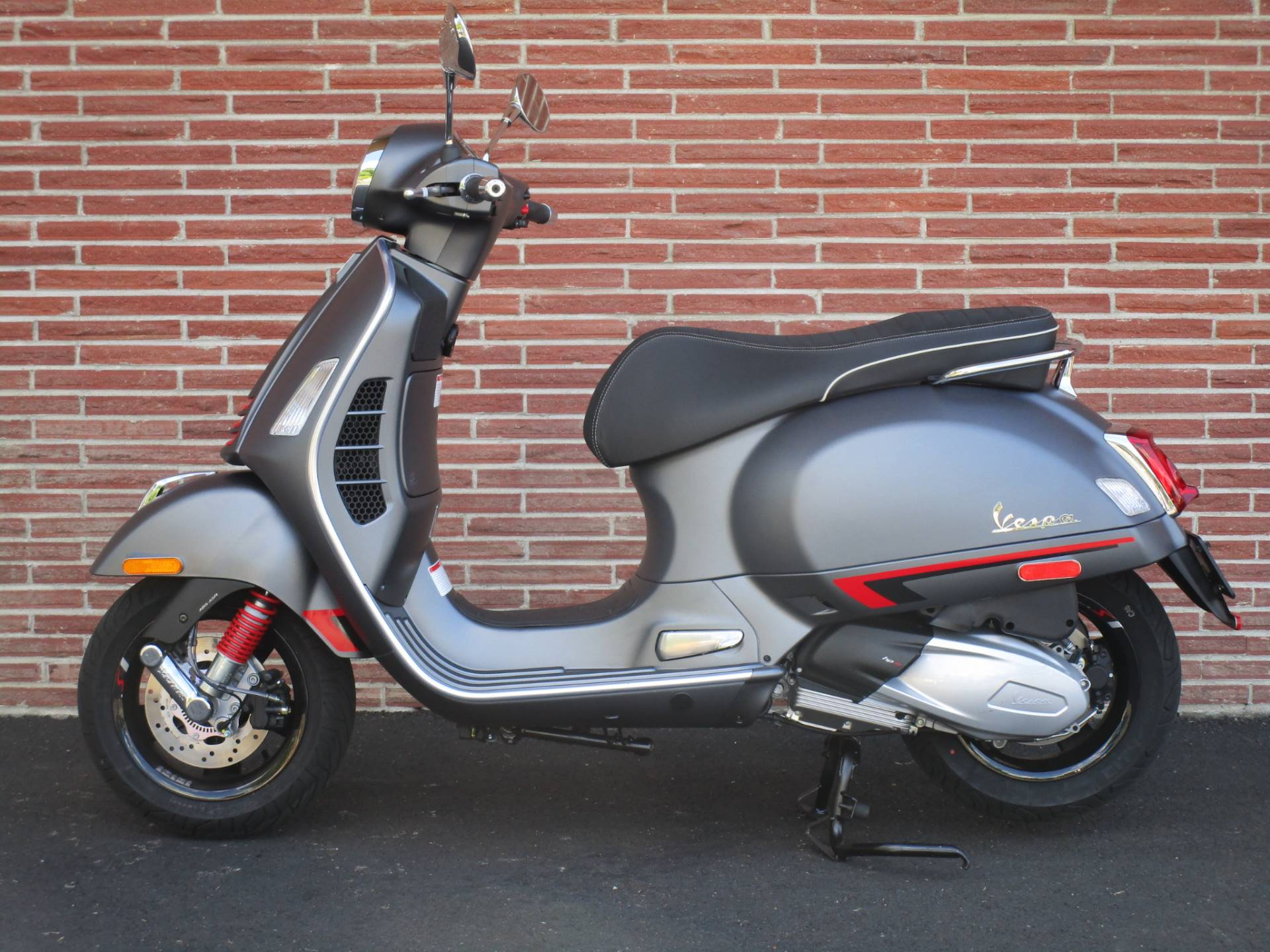 2020 Vespa GTS Supersport 300 HPE in Bellevue, Washington - Photo 1