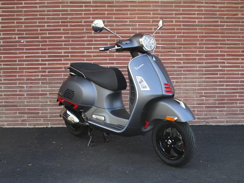 2020 Vespa GTS Supersport 300 HPE in Bellevue, Washington - Photo 4