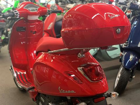 2021 Vespa Primavera 150 iGet Red in Bellevue, Washington - Photo 2
