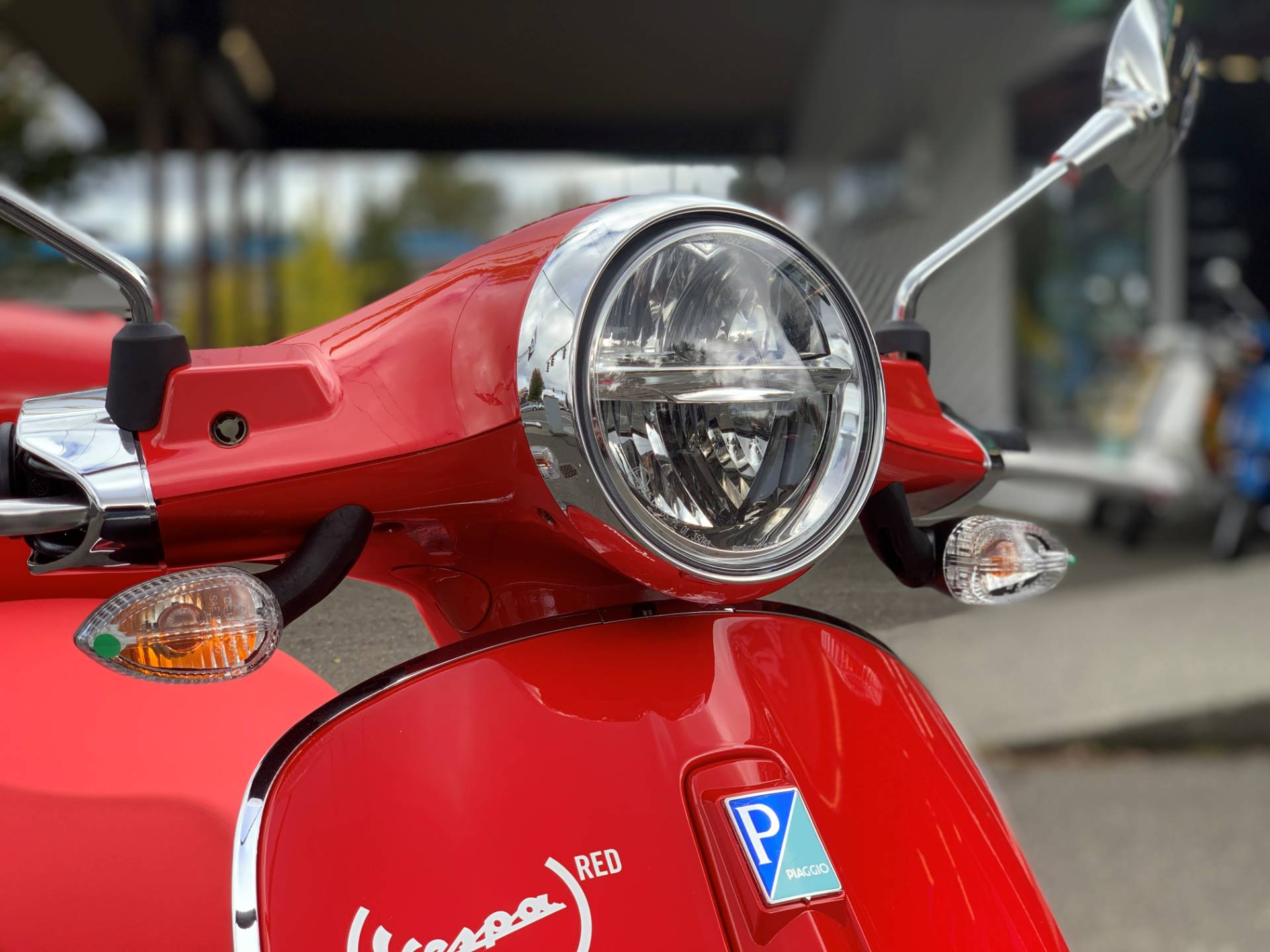 2021 Vespa Primavera 150 iGet Red in Bellevue, Washington - Photo 4