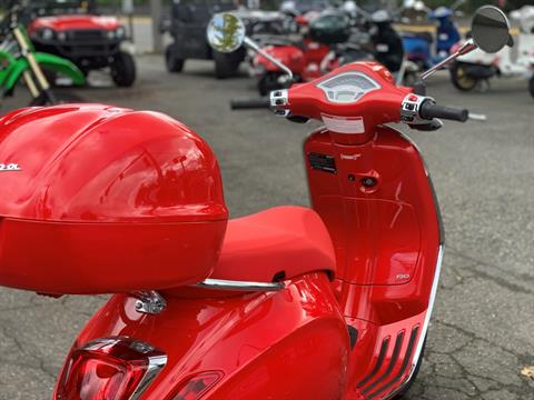 2021 Vespa Primavera 150 iGet Red in Bellevue, Washington - Photo 9