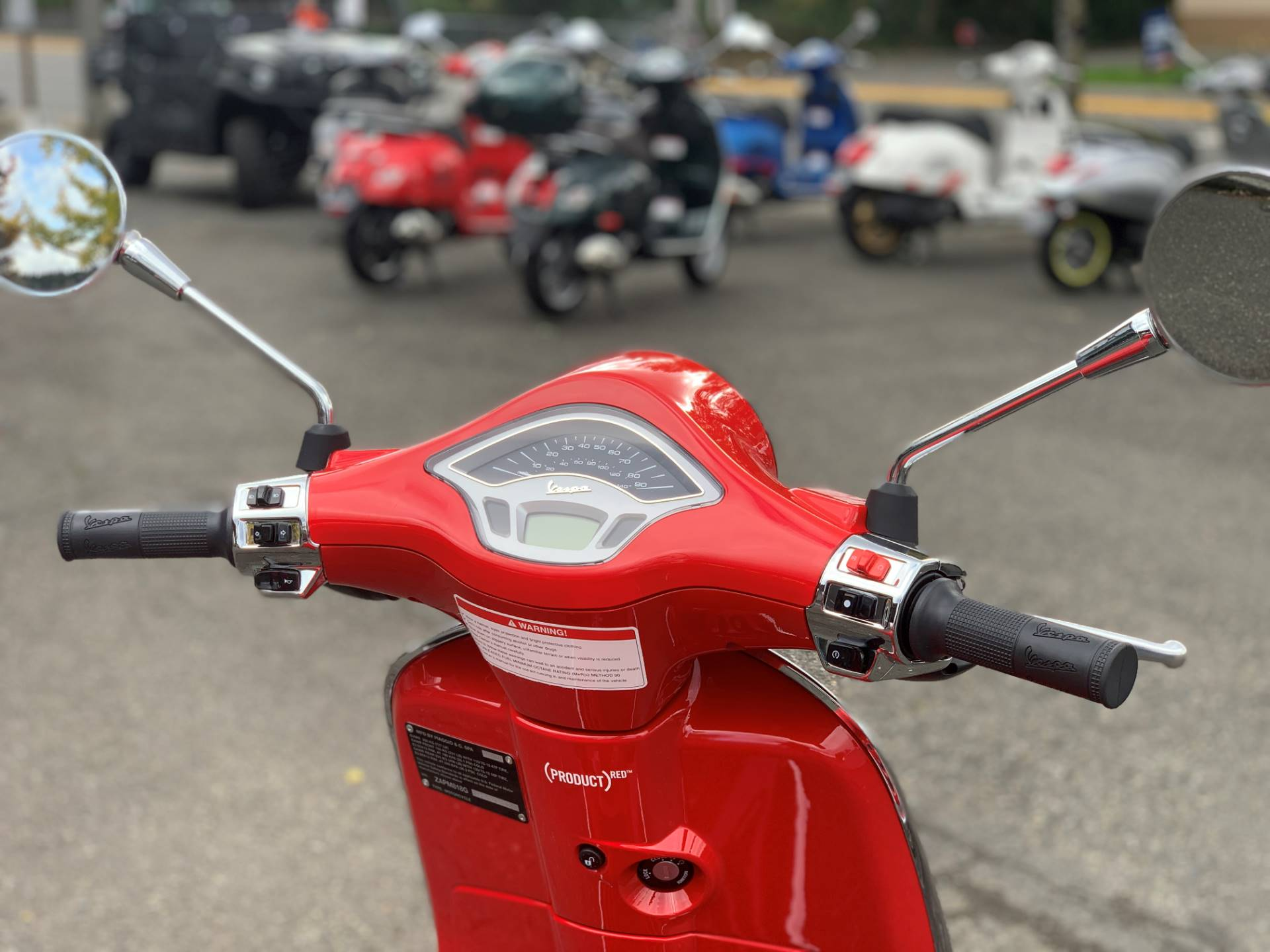 2021 Vespa Primavera 150 iGet Red in Bellevue, Washington - Photo 10