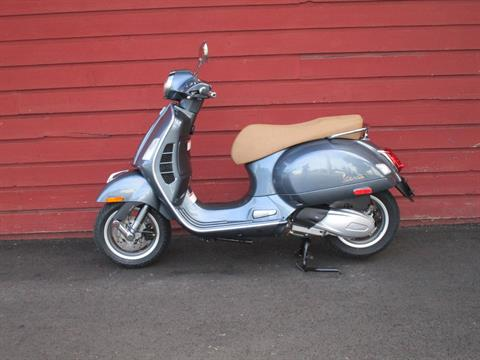 2020 Vespa GTS 300 HPE in Bellevue, Washington - Photo 1