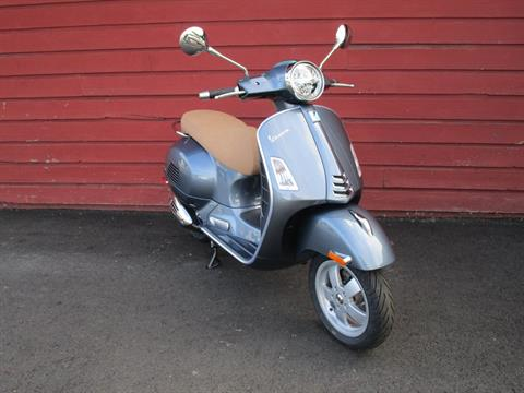 2020 Vespa GTS 300 HPE in Bellevue, Washington - Photo 5