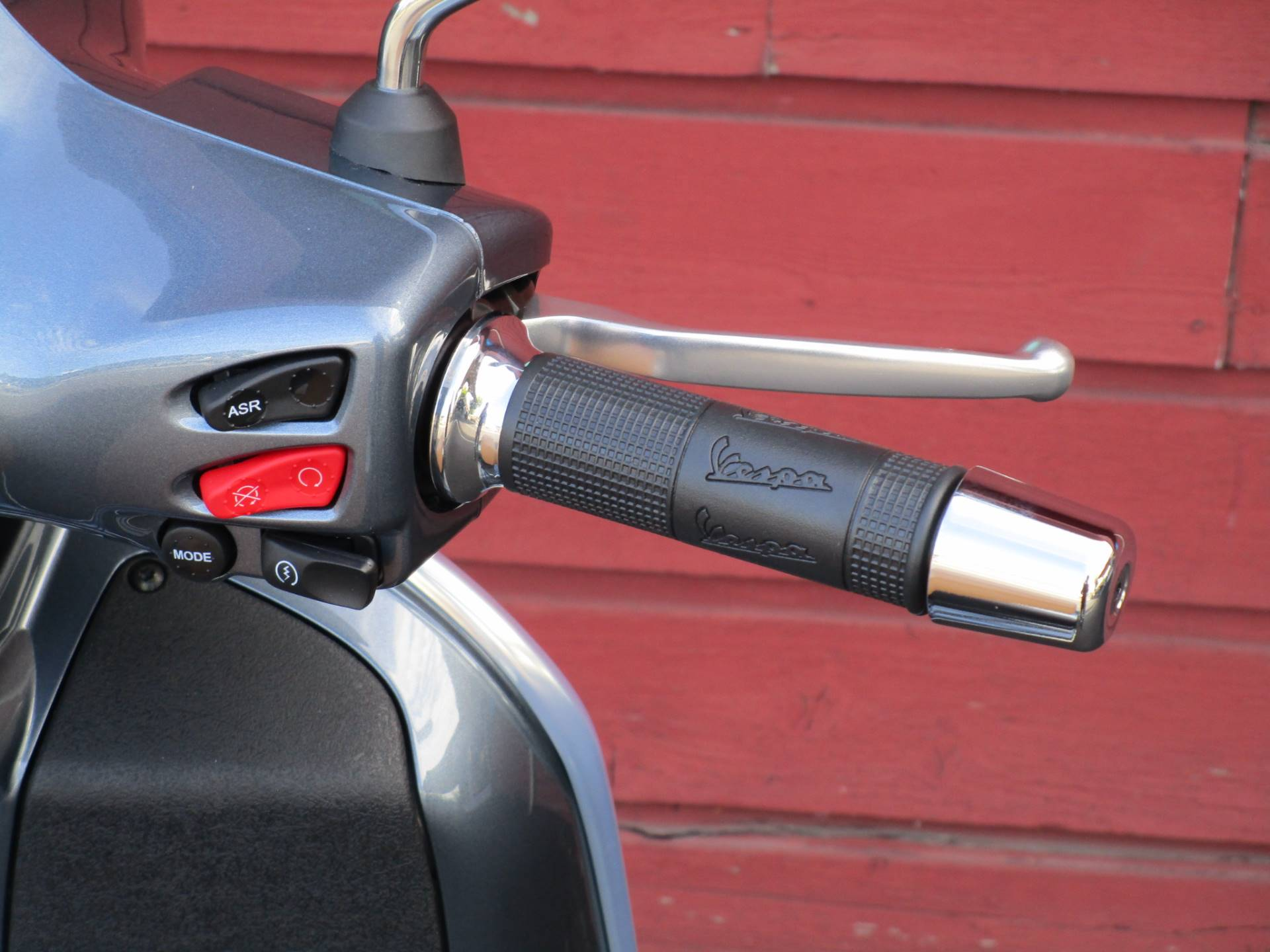 2020 Vespa GTS 300 HPE in Bellevue, Washington - Photo 9