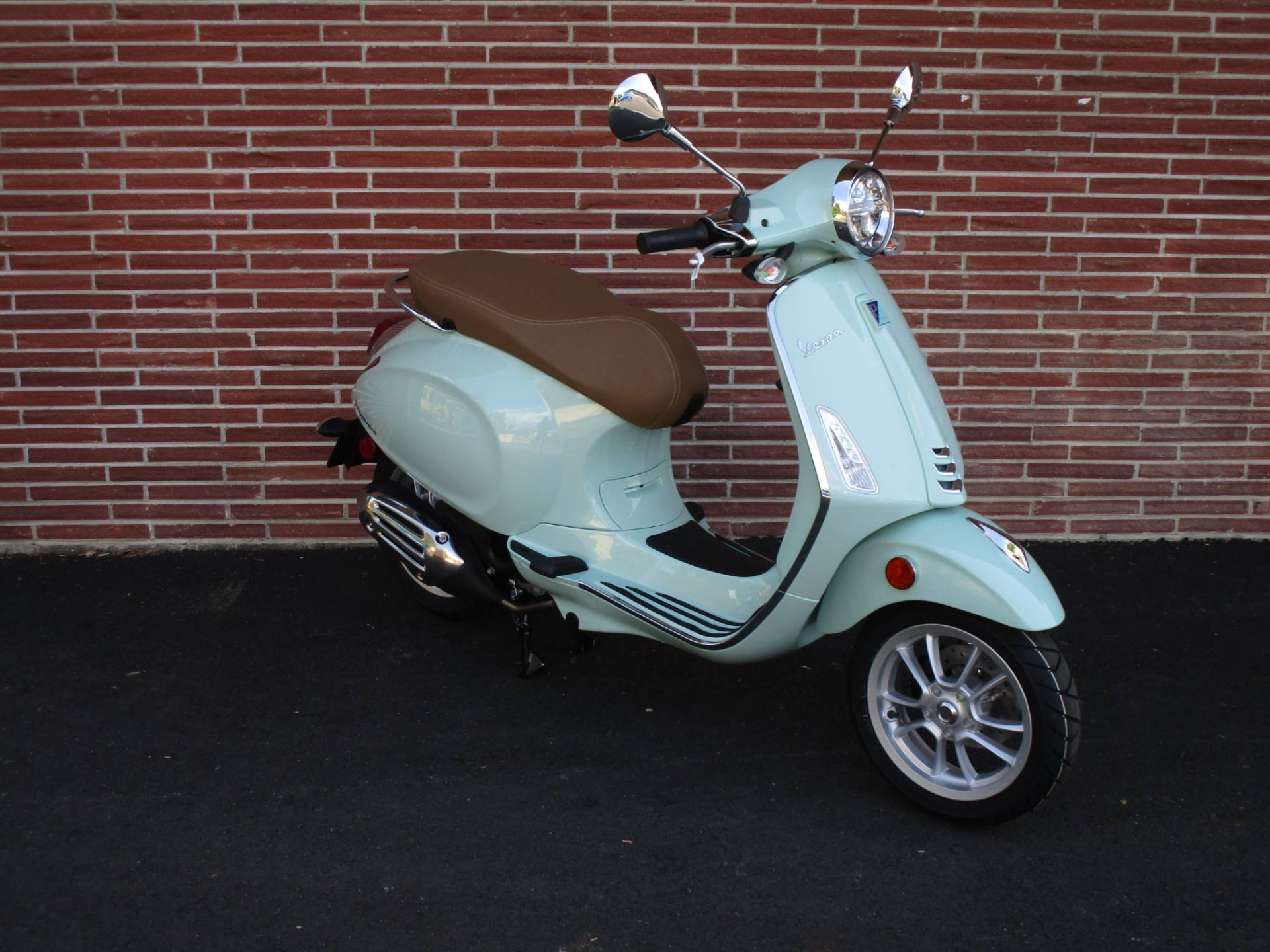 2020 Vespa Primavera 50 in Bellevue, Washington - Photo 2