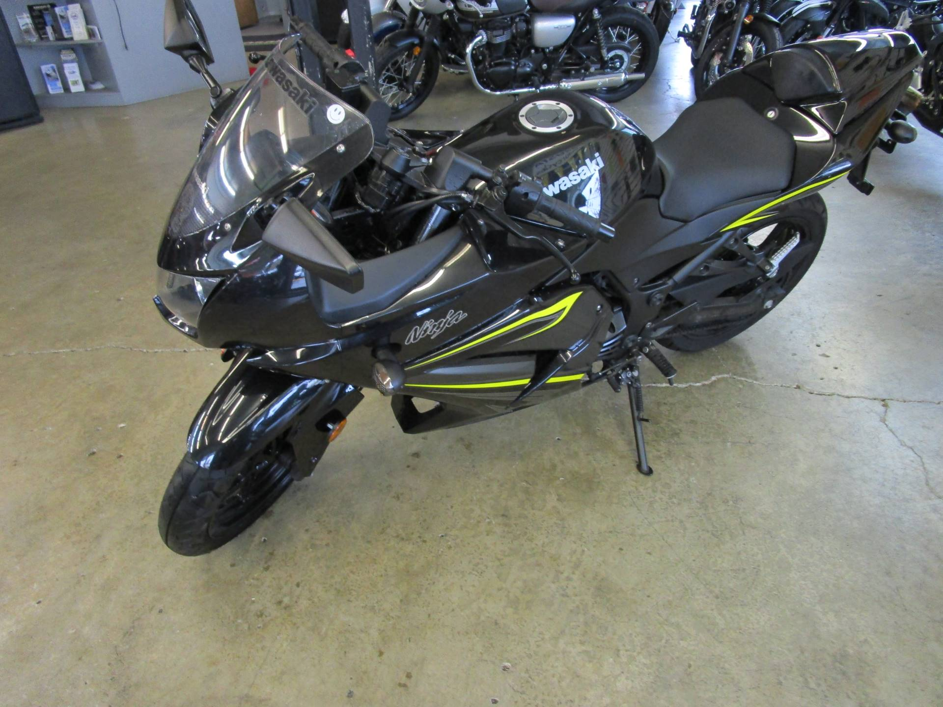 2012 Kawasaki Ninja® 250R in Bellevue, Washington - Photo 4