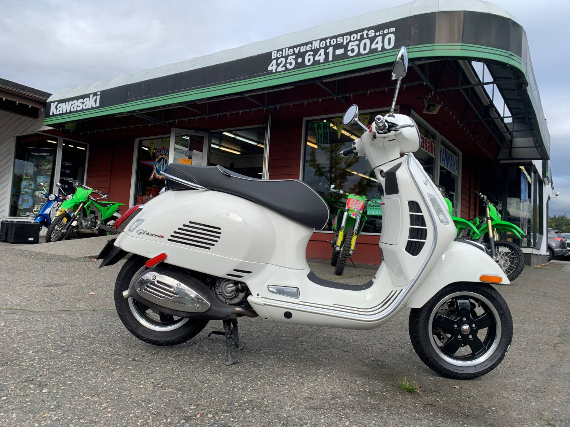 2015 Vespa GTS 300 i.e. Super ABS in Bellevue, Washington - Photo 1