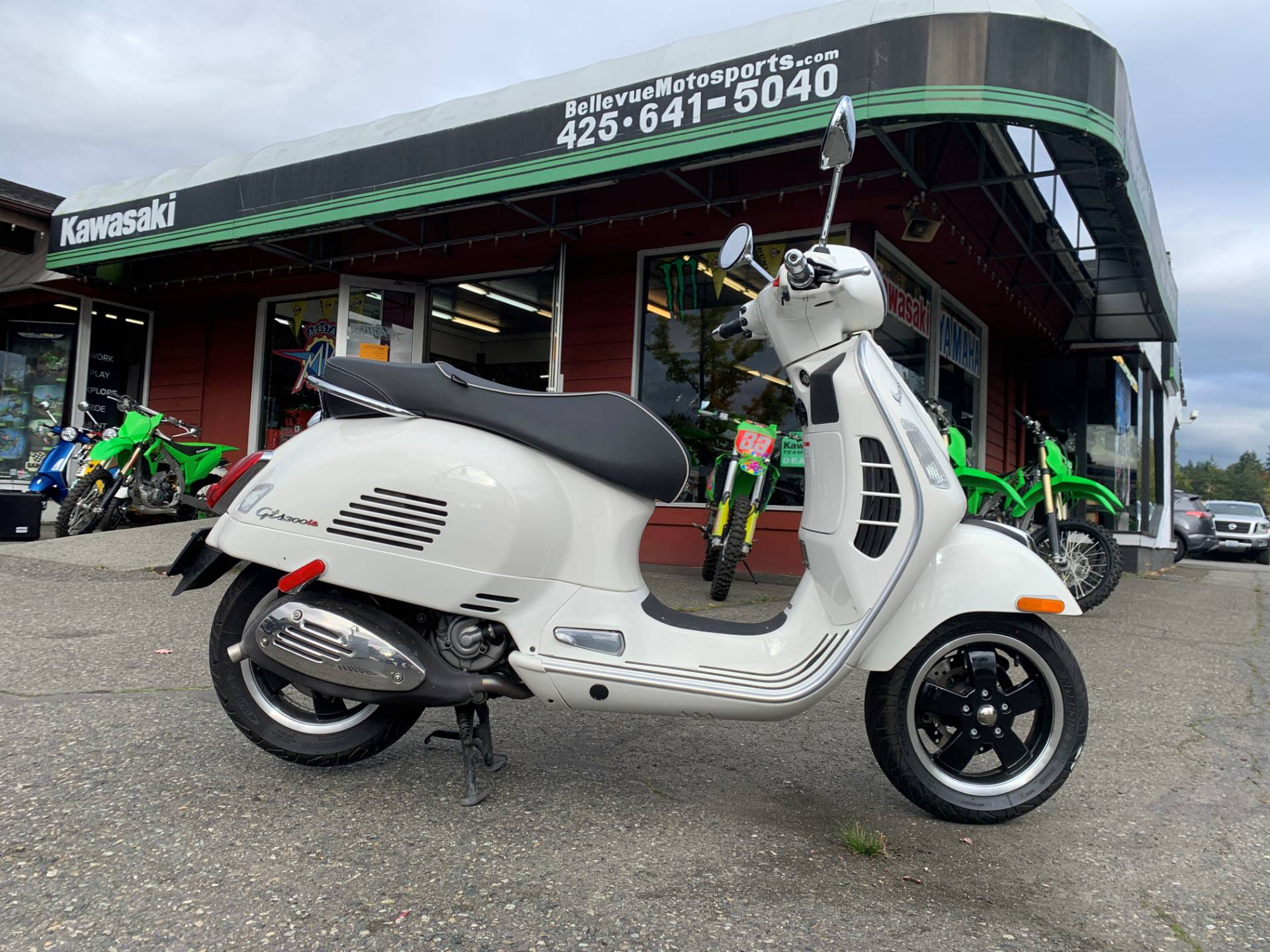2015 Vespa GTS 300 i.e. Super ABS in Bellevue, Washington - Photo 2