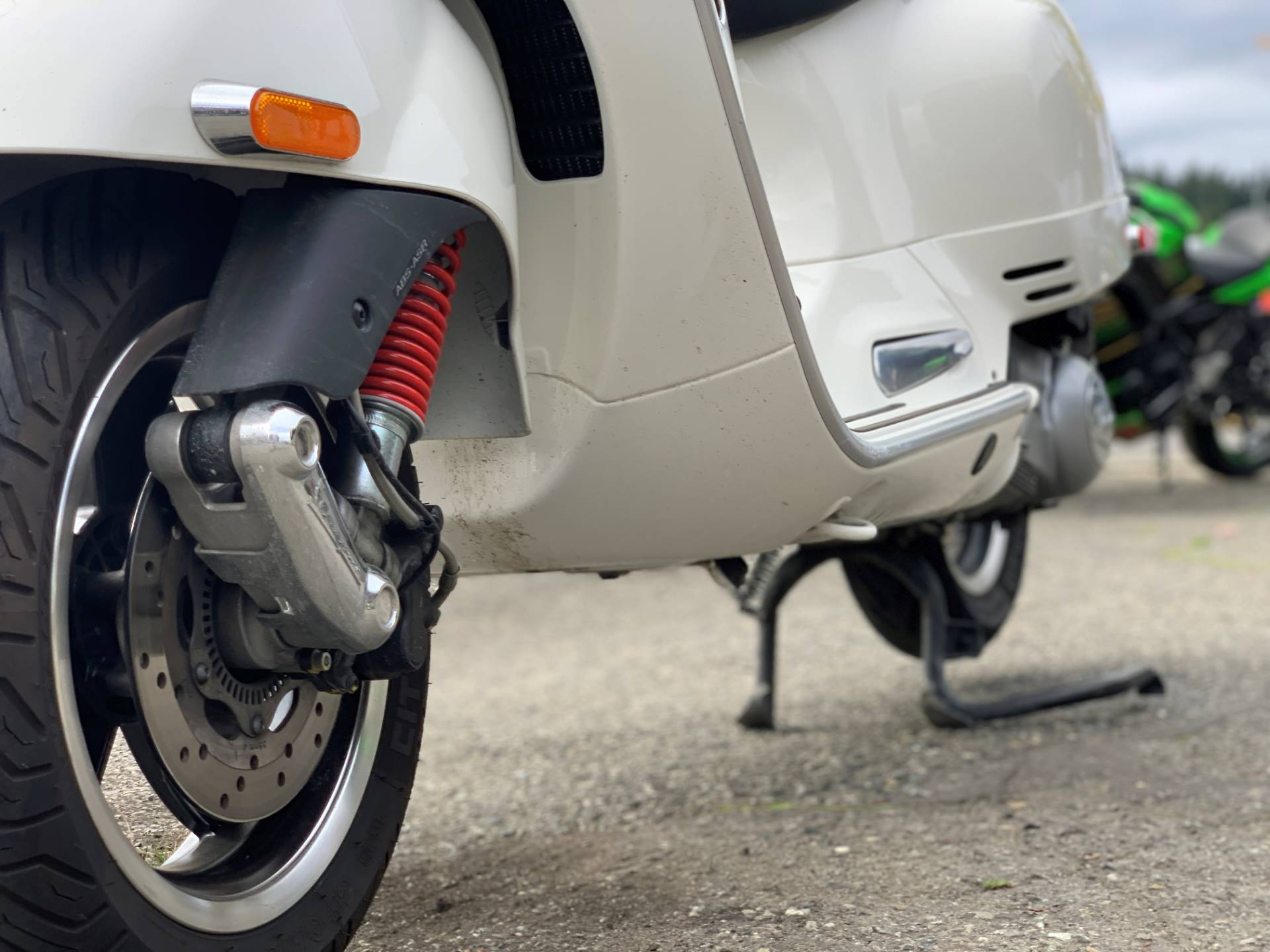 2015 Vespa GTS 300 i.e. Super ABS in Bellevue, Washington - Photo 5