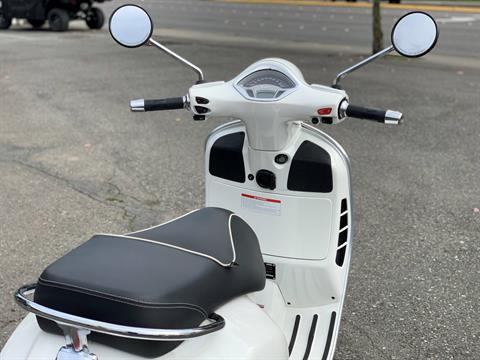 2015 Vespa GTS 300 i.e. Super ABS in Bellevue, Washington - Photo 9