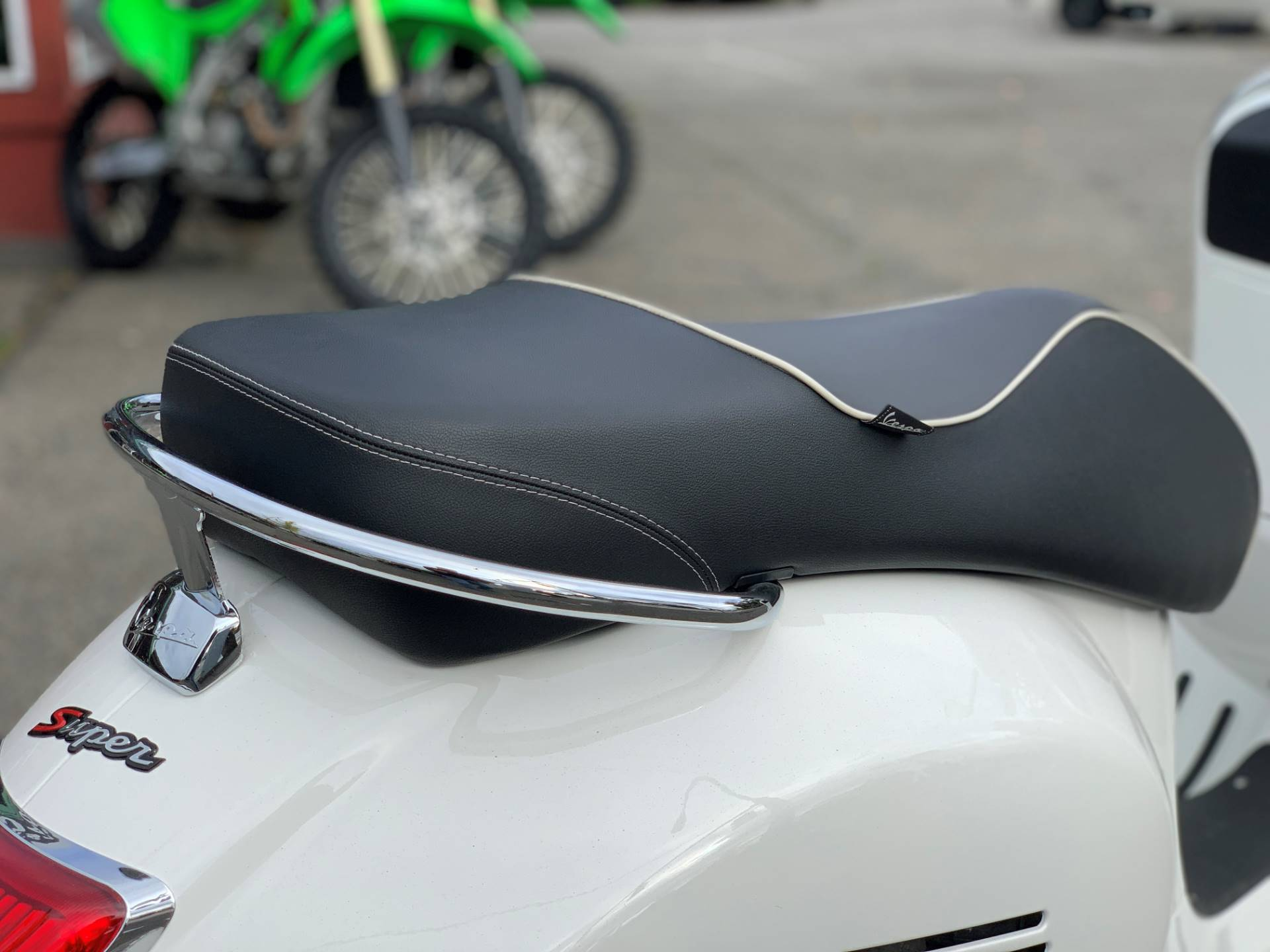 2015 Vespa GTS 300 i.e. Super ABS in Bellevue, Washington - Photo 10