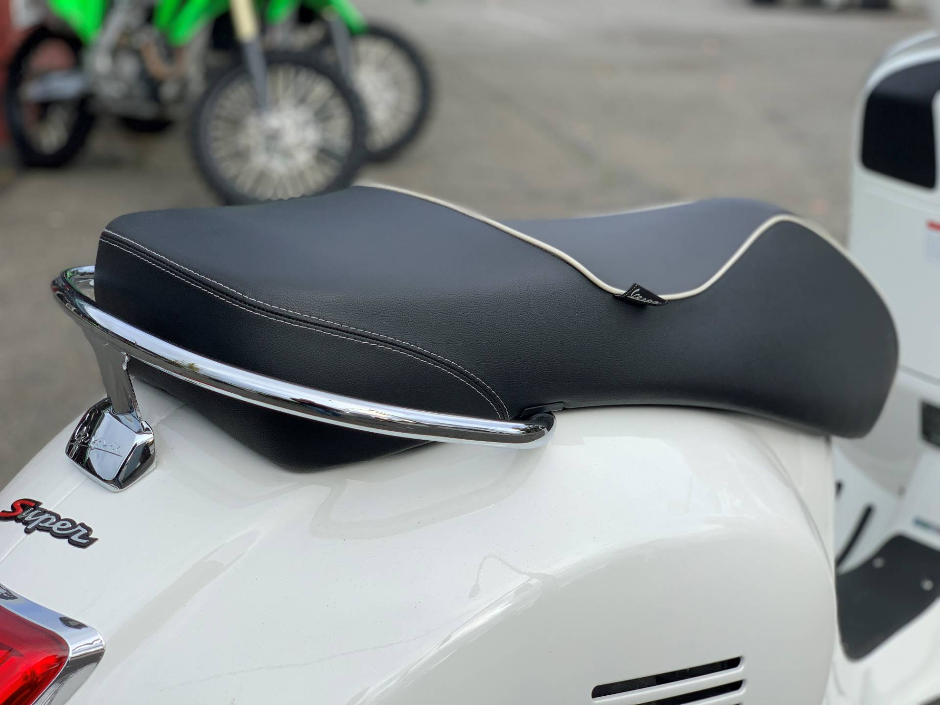 2015 Vespa GTS 300 i.e. Super ABS in Bellevue, Washington - Photo 11