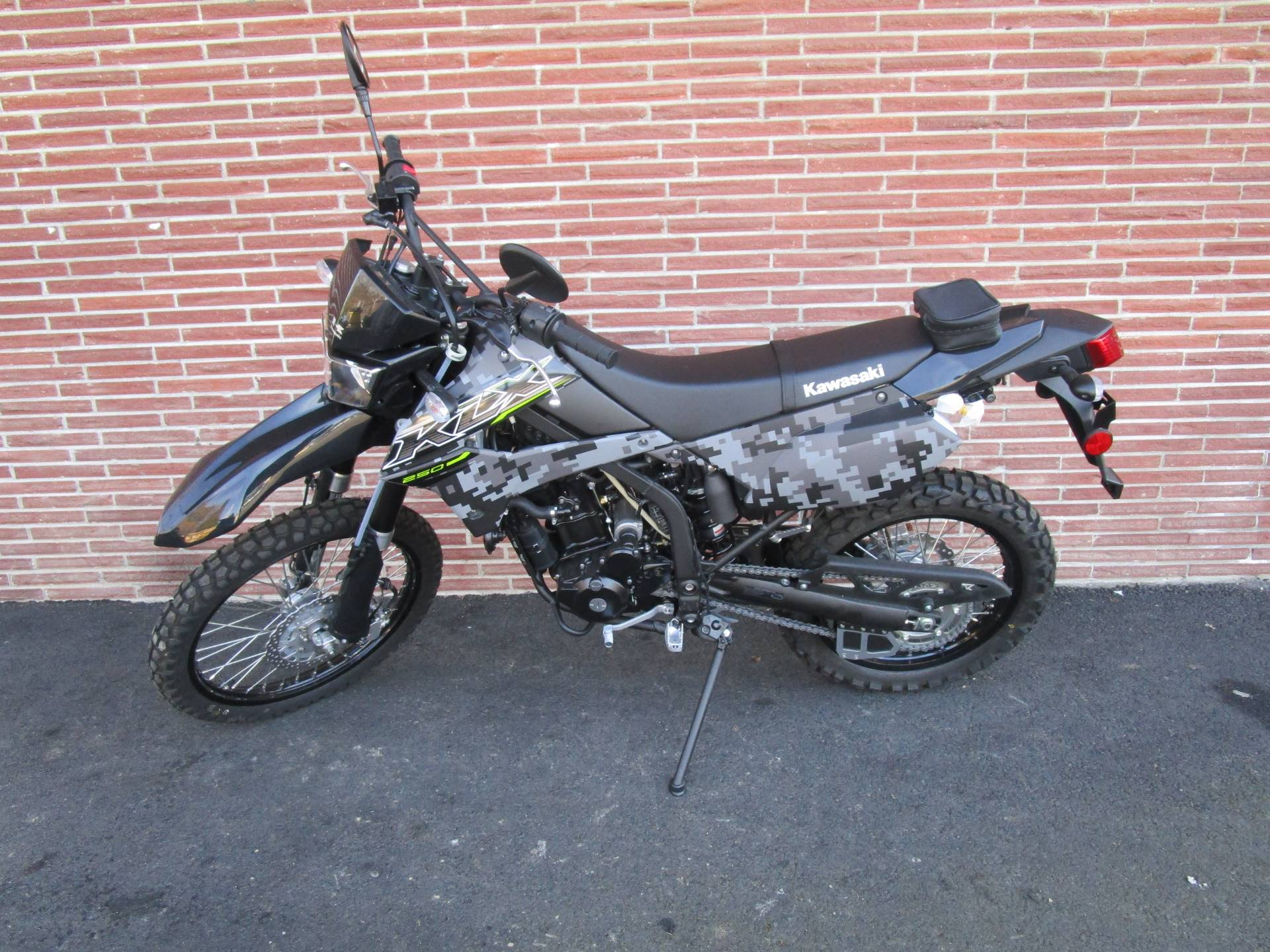 2019 Kawasaki KLX 250 Camo in Bellevue, Washington - Photo 4