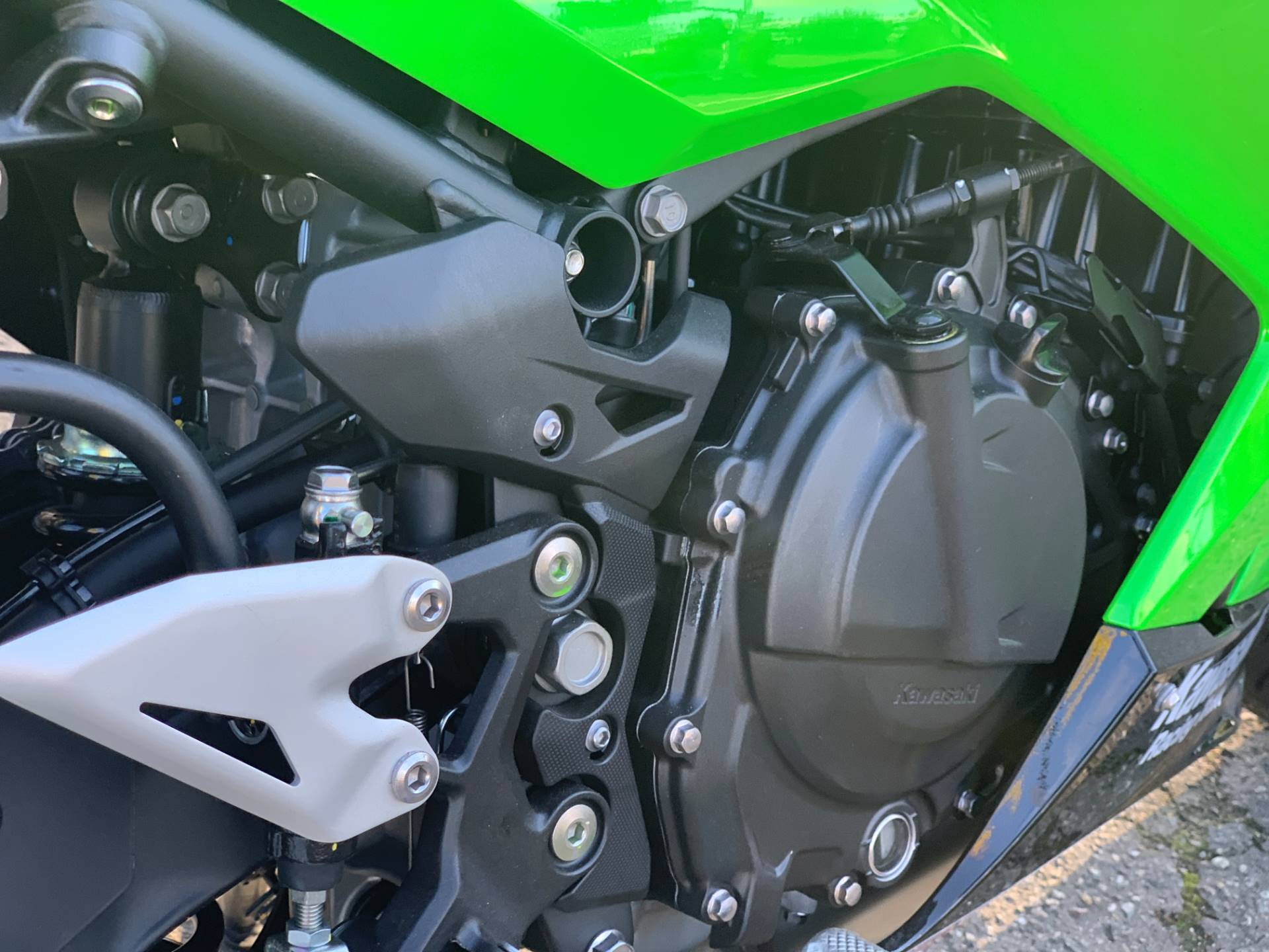 2020 Kawasaki Ninja 400 ABS KRT Edition in Bellevue, Washington - Photo 14