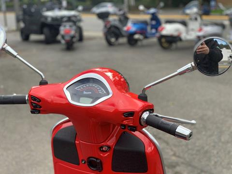2020 Vespa GTS Super 300 HPE in Bellevue, Washington - Photo 9