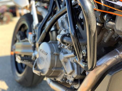 2010 KTM 990 SM T in Bellevue, Washington - Photo 6