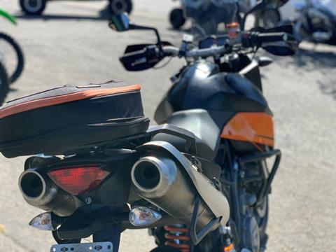 2010 KTM 990 SM T in Bellevue, Washington - Photo 10