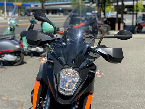 2010 KTM 990 SM T in Bellevue, Washington - Photo 19