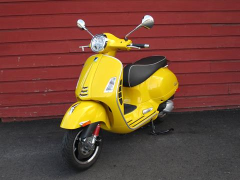 2020 Vespa GTS Super 300 HPE in Bellevue, Washington - Photo 4