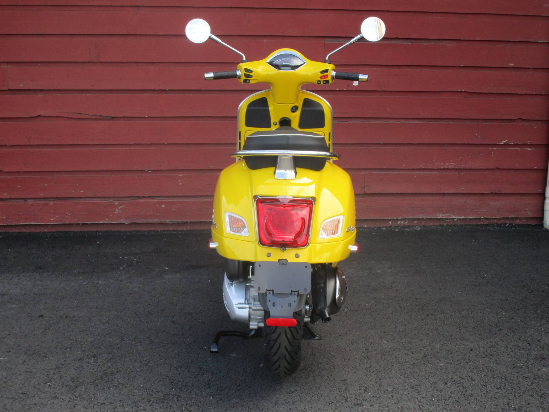 2020 Vespa GTS Super 300 HPE in Bellevue, Washington - Photo 7