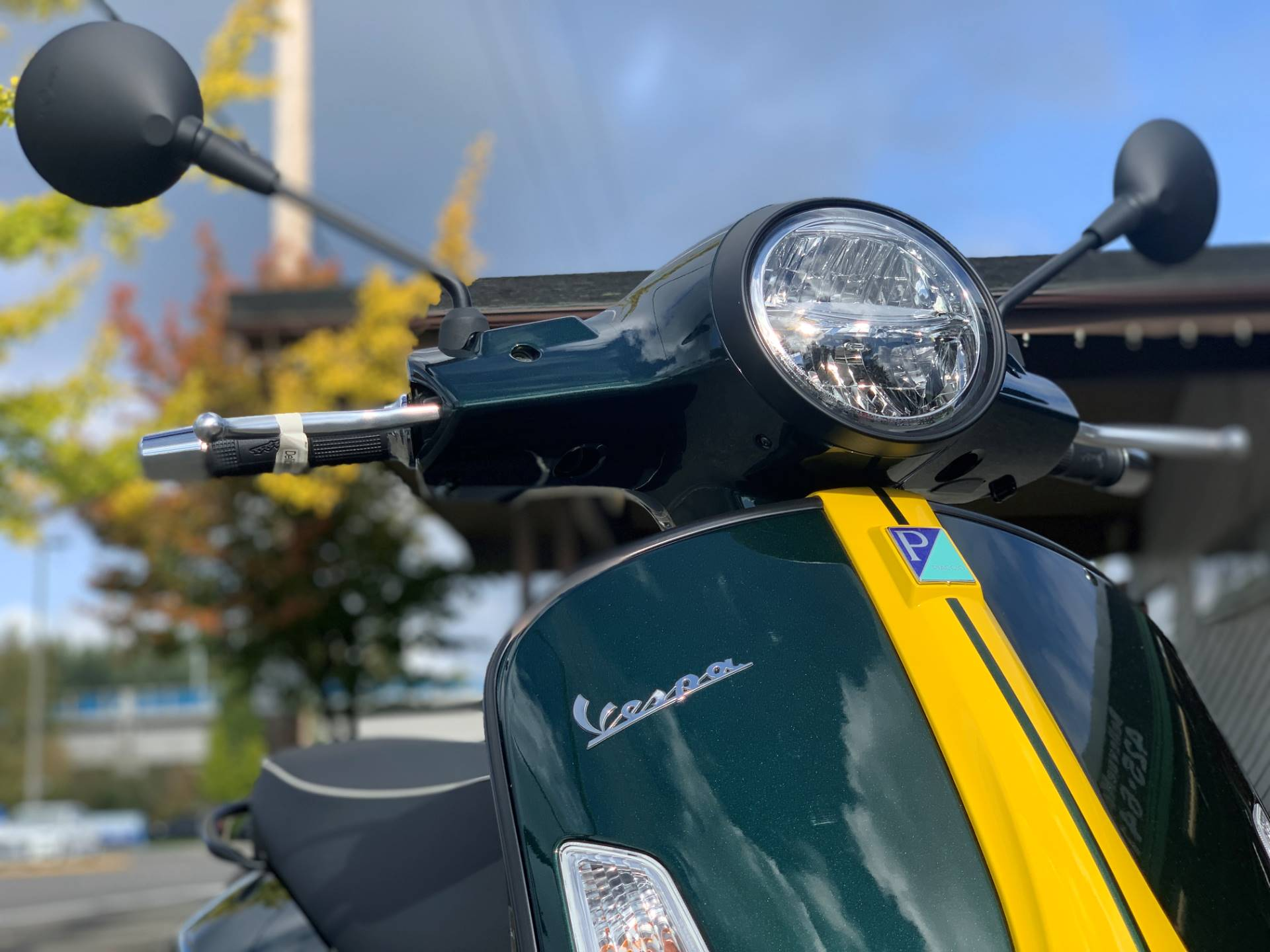 2021 Vespa GTS Super Racing Sixties 300 HPE in Bellevue, Washington - Photo 2