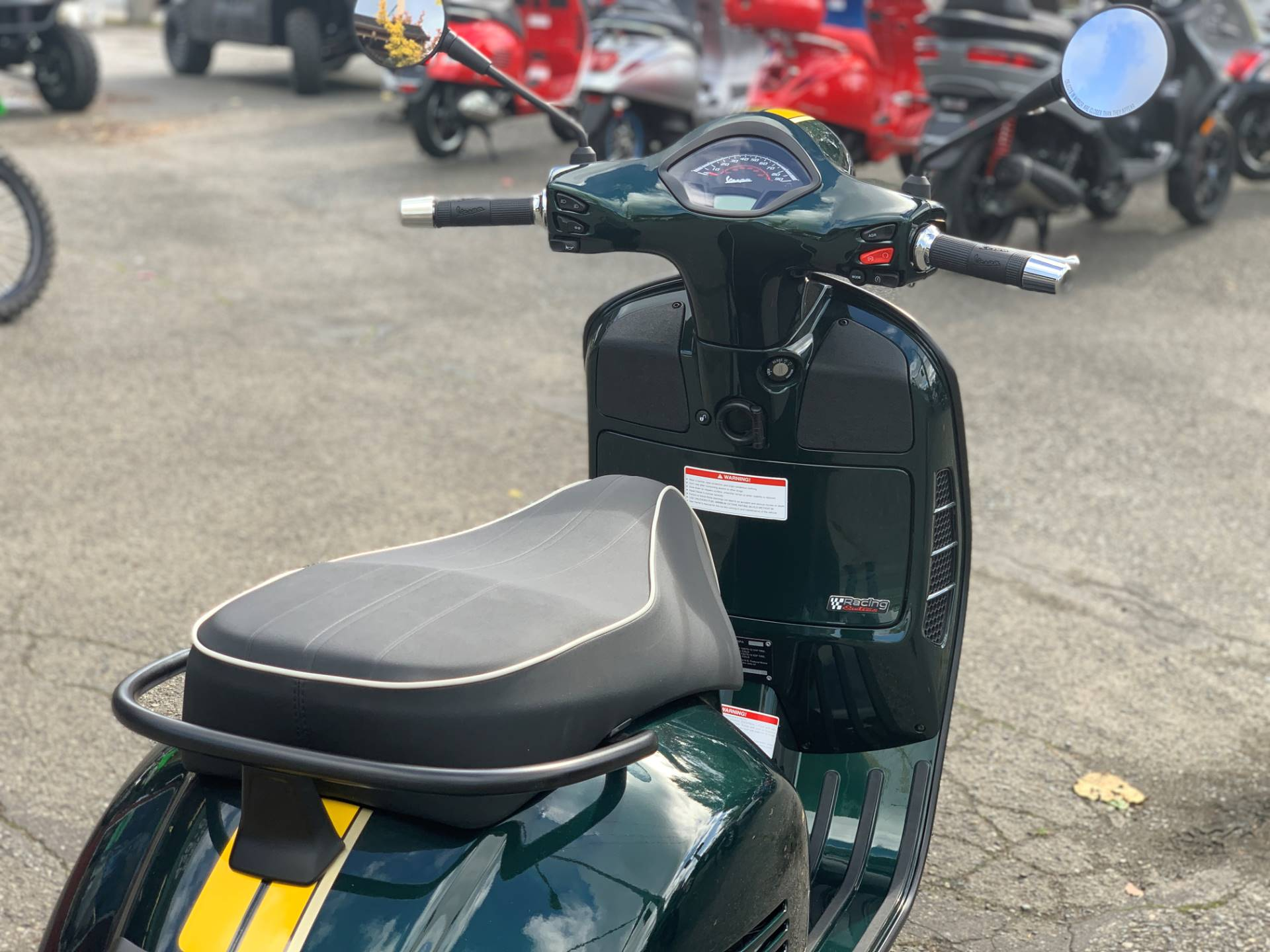 2021 Vespa GTS Super Racing Sixties 300 HPE in Bellevue, Washington - Photo 8