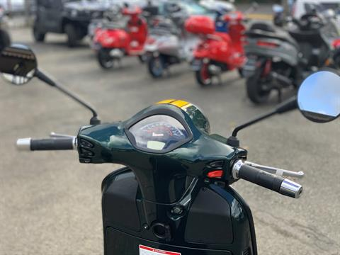 2021 Vespa GTS Super Racing Sixties 300 HPE in Bellevue, Washington - Photo 9