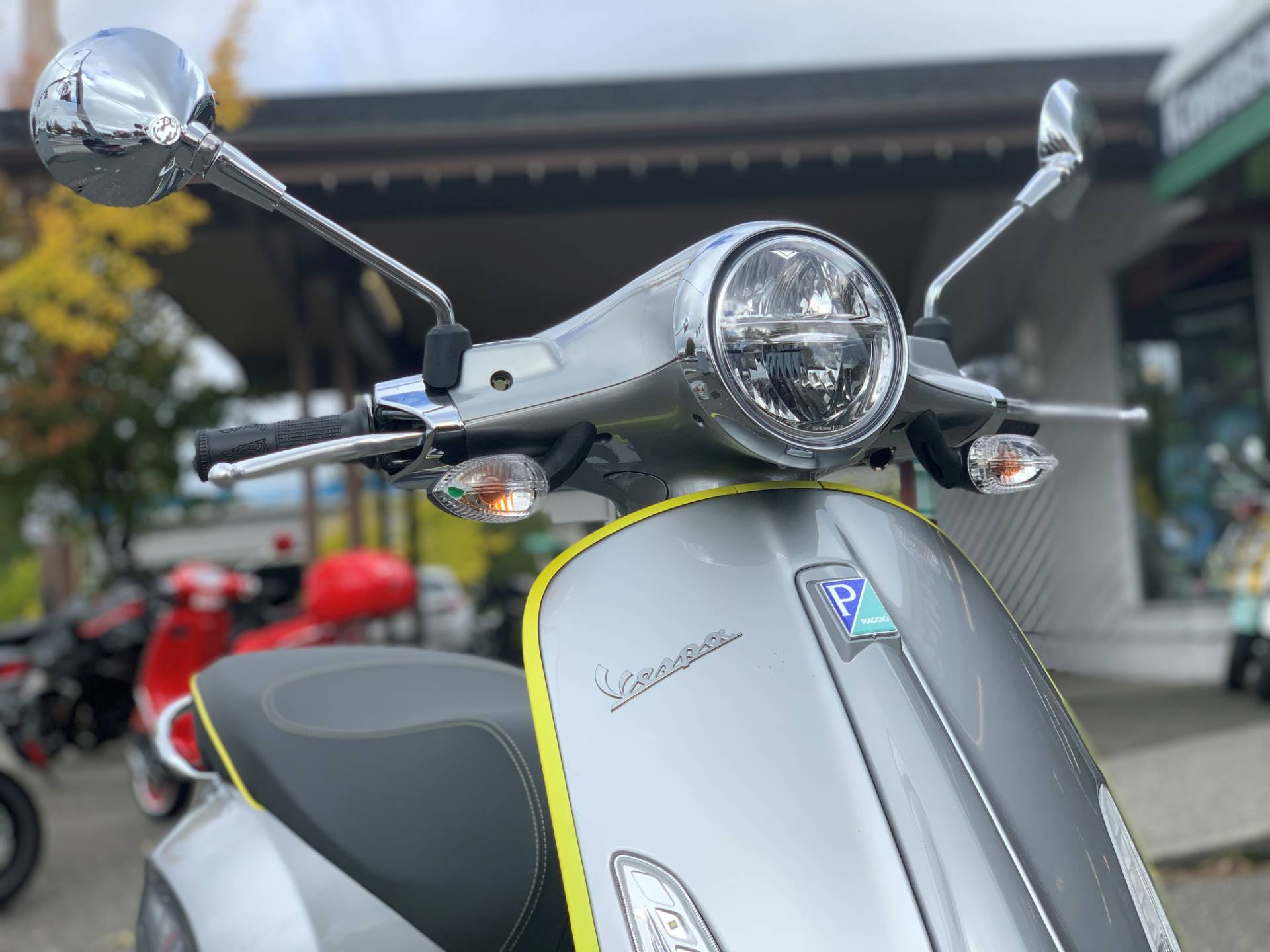2021 Vespa Elettrica 45 MPH in Bellevue, Washington - Photo 2