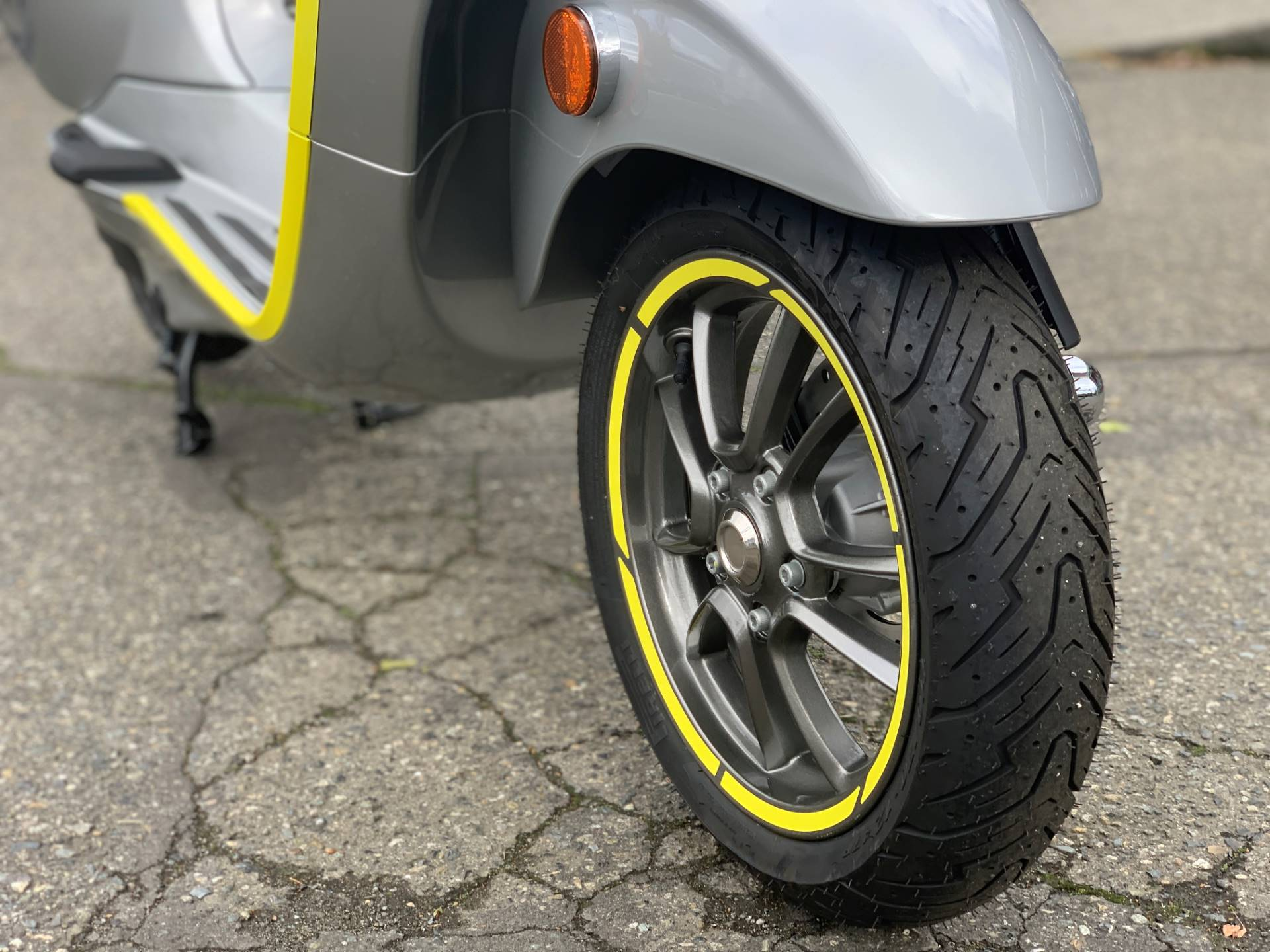 2021 Vespa Elettrica 45 MPH in Bellevue, Washington - Photo 3