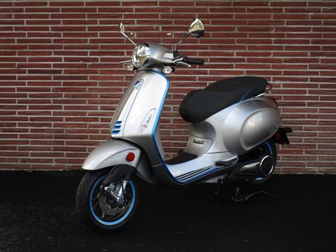 2020 Vespa Elettrica 4 Kw in Bellevue, Washington - Photo 3