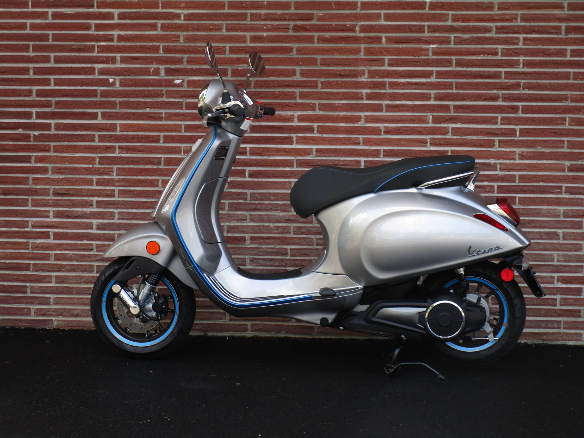 2020 Vespa Elettrica 4 Kw in Bellevue, Washington - Photo 4