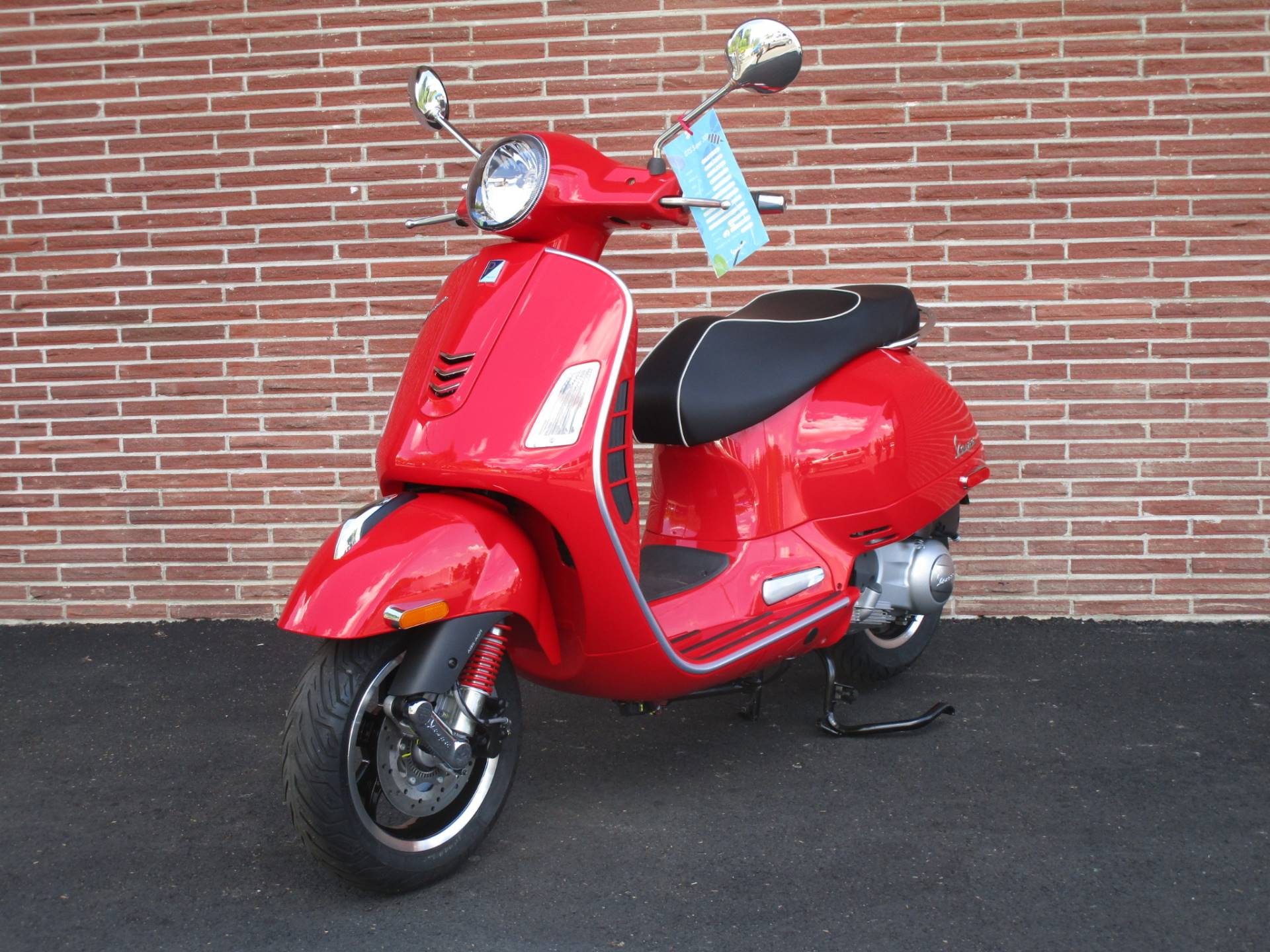 2019 Vespa GTS Super 300 in Bellevue, Washington - Photo 3