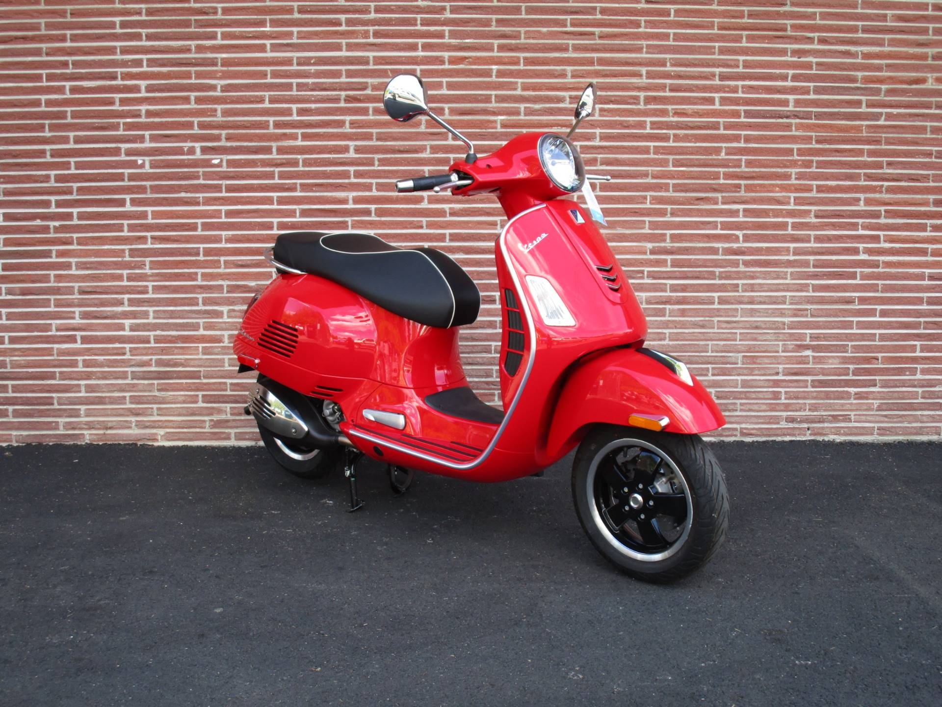 2019 Vespa GTS Super 300 in Bellevue, Washington - Photo 4